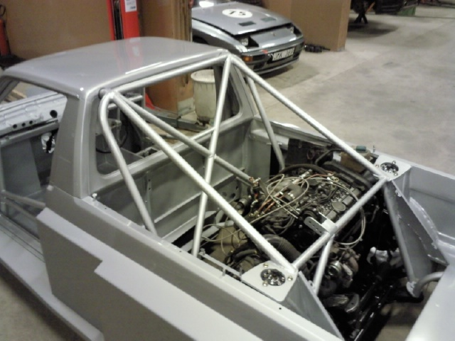 Custom Mid-Engined VW CADDY with 500+HP Volvo Engine - Turbo