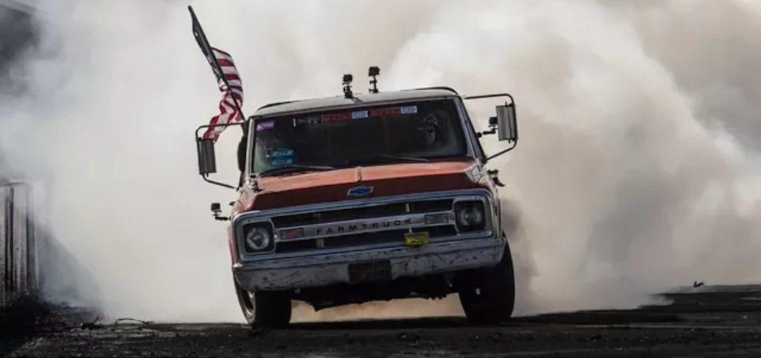 Farmtruck drag race crash burnout