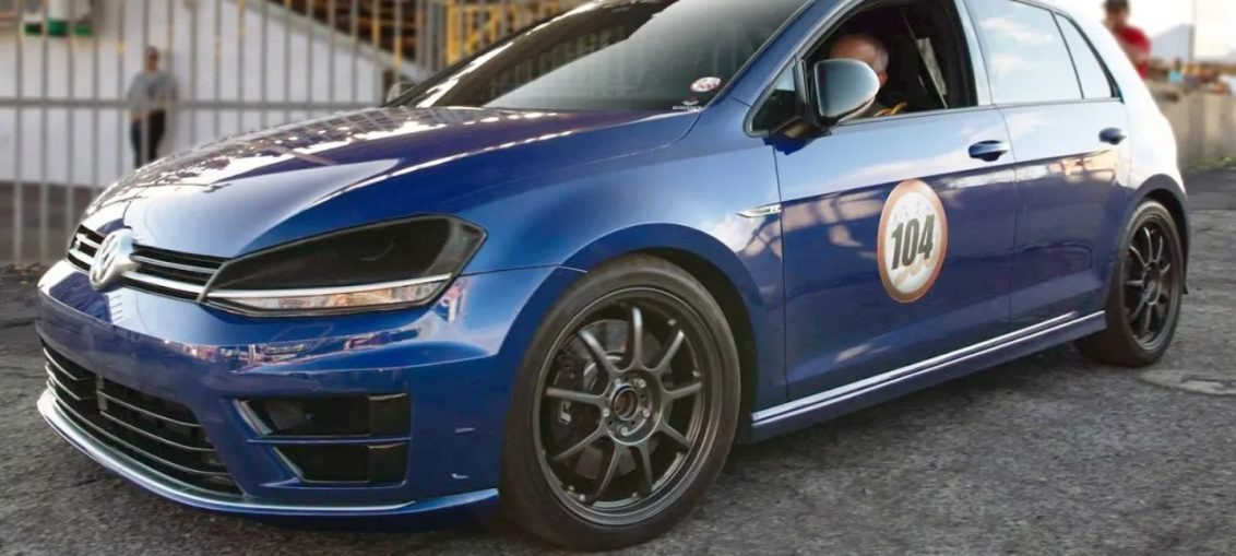 Golf R20 Big Turbo Hellcat