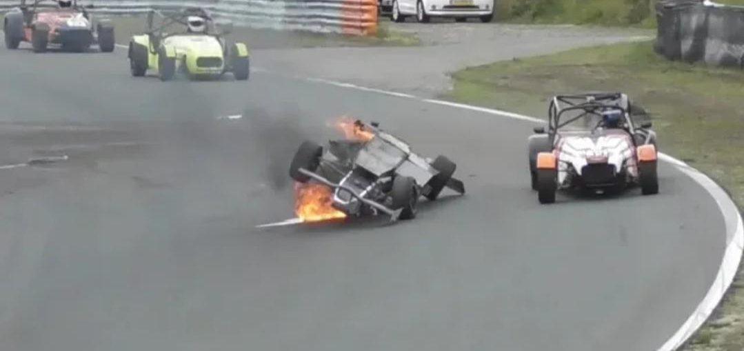 Formule Renault driver Crashes